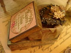 Miniature 1:12 scale OOAK Victorian era hat with at box