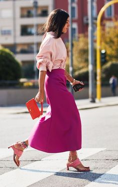 Attico designer Gilda Ambrosio is one of the most copied street style stars at f Style Work, Look Street Style, Street Looks, Mode Style, Street Chic, Men Street, Star Fashion, Fashion Outfits, Fashion Tips