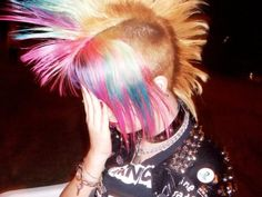 blue and pink chelsea hawk