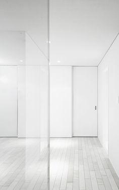 | DETAILS | adore the frameless door details. Amphidromous Rectangle by Jun Murata. #details
