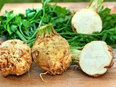 Zdravotní přínosy celeru, o kterých se málo mluví Celeriac Soup, Liquid Meals, Negative Calorie Foods, Cream Of Celery, Celerie Rave, Fall Vegetables, Calories, Light Recipes, Soups And Stews