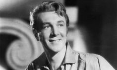 Sir Michael Redgrave (England) The patriarch of an acting dynasty
