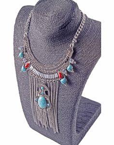 Este tipo de collares largos son tendencia entre las mujeres con estilo Bohoo si te gusta encuentra promociones de collares como este en MasCupon.  #collares #ofertas #promociones #Accesorios #mujer #estilo