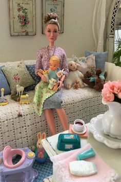 Childrens Toy Storage, Baby Toy Storage, Kids Toys For Christmas, Barbies Pics, Barbie And Ken, Pink Barbie, Barbie Diorama, Barbie Family, Doll Clothes Barbie