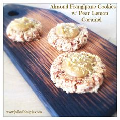 Almond Frangipane Cookies With Pear Lemon Caramel [Vegan, Raw, Gluten-Free] Raw Vegan Desserts, Raw Food Recipes, Just Desserts, Cookie Recipes, Snack Recipes, Snacks, Pear Recipes, Vegan Raw, Healthy Treats