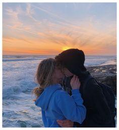 Beaux Couples, Cute Couples Photos, Cute Couple Pictures, Cute Couples Goals, Couples At The Beach, Summer Couples, Cute Photos, Couple Goals Relationships, Relationship Goals Pictures