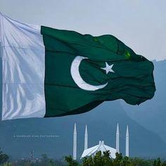 History Of Pakistan, Pakistan Zindabad, Pakistan Travel, Islamabad Pakistan, Flag Of Pakistan, Kashmir Pakistan, Pakistan Independence Day Images, Independence Day Photos, Pakistan Flag Wallpaper