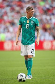 Toni Kroos of Germany in action during the 2018 FIFA World Cup Russia group F match between Korea Republic and Germany at Kazan Arena on June 2018 in Kazan, Russia. Get premium, high resolution news photos at Getty Images Best Football Players, Football Kits, Nike Football, Toni Kroos, Manchester United Team, Thomas Muller, Fc Porto, Chelsea Fc, Fifa World Cup