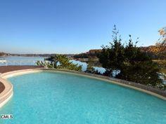 8 Room Infinity Pool in Darien, CT