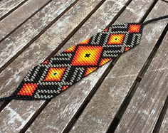 This Pin was discovered by R G Native Beading Patterns, Beaded Bracelet Patterns, Bead Loom Patterns, Peyote Patterns, Bead Loom Bracelets, Native American Beadwork, Bead Embroidery Jewelry, Seed Bead Jewelry, Loom Beading