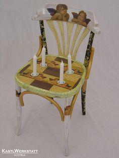 Adventsessel - Dieser Stuhl funktioniert als Adventskranz mit den Engelsmotiven (Decoupage) Chair, Furniture, Home Decor, Armchair, Upcycled Crafts, Recliner, Homemade Home Decor, Home Furnishings, Decoration Home