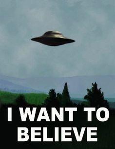 16 premios Emmy y 3 Globos de Oro, entre muchos otros premios y reconocimientos, avalan la trayectoria de «The X Files», que comenzó a emitirse en 1993 y se canceló en 2002. Dirigida por Rob Bowman, se estrenaría en 1998 un primer largometraje, «The X Files», que servía de enlace entre dos temporadas. Una década después llegaría el segundo, «The X Files: I Want to Believe», dirigido esta vez por el propio Chris Carter creador de la serie original.