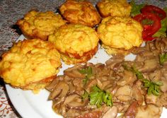Photo Hungarian Recipes, My Recipes, Cauliflower, Food And Drink, Meat, Chicken, Vegetables, Cooking, Ethnic Recipes
