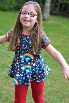 Skater Kleid Peplum Pattern Hack - macht aus einem einfachen T-Shirt ein zauberhaftes Top