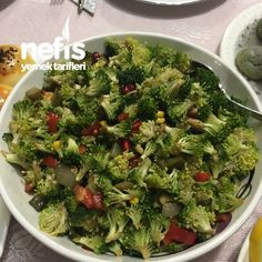 Nefis Tadıyla Çiğ Brokoli Salatası Sprouts, Salads, Vegetables, Food, Vegetable Recipes, Eten, Salad, Veggie Food, Brussels Sprouts