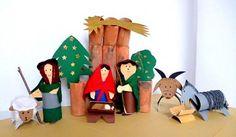 Weihnachtskrippen/basteln-Weihnachten-Krippenfiguren-Stall-aus-Klorollen