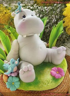 CUTE HIPPO TUTORIAL - For all your cake decorating supplies, please visit craftcompany.co.uk