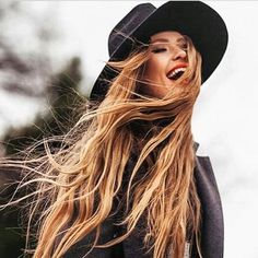 Hair Inspiration!  #LongHair#HairGoals#HairExtensions#Highlights#HighQuality#Luxury#Chic#Beautiful#Hair#Getthelook#With#LadoreHair
