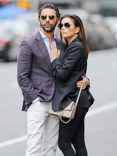 Star Tracks: Tuesday, April 28, 2015 | SO(HO) CHIC | Epitomizing New York glam with tailored jackets and sunglasses, Eva Longoria and boyfriend Jose Antonio Baston wait for their ride in the most stylish way possible in the city's SoHo neighborhood on Sunday.