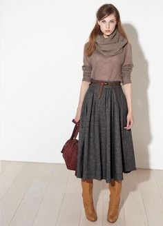 Midi skirt + boots- i want a plethora of skirts like this simple outfits, Simple Outfits, Fall Outfits, Modest Winter Outfits, Office Outfits, Winter Outfits With Skirts, Earthy Outfits, Long Skirt Outfits, Rock Outfits, Office Wear