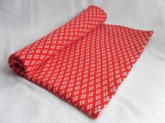 Red & white Cot Blanket, Merino Wool/ fairisle/ bedding/ boy/ girl/ baby/ unisex/ handmade/ nursery, interior by ToutPetitUK on #Etsy