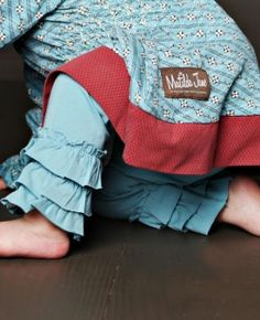ruffle leggings in-my-ginormous-craft-room