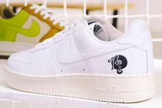 bf4284ace7c4 Drink Black Water. Sneakers Nike ...