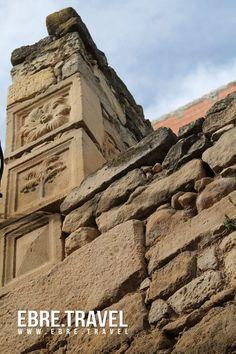Pedres interessants. Piedras interesantes. Interesting stones. #Batea #TerraAlta #TerresdelEbre http://www.ebre.travel