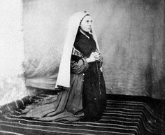 Ste Bernadette, St Bernadette Of Lourdes, St Bernadette Soubirous, Rare Photos, Vintage Photos, Lourdes France, Our Lady Of Lourdes, Immaculate Conception, Catholic Saints