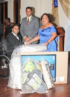 Dr. Kryaan Singh from Rapid Fire Kidz Foundation makes a donation of Sporting equipment.