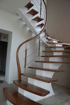 Steel construction, railings from stainless steel with wood, ash wood steps Modern Stair Railing, Staircase Handrail, Stair Railing Design, Modern Stairs, Staircases, Bookcase Stairs, House Stairs, Interior Stairs, Home Interior Design