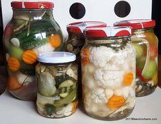 Gogonele murate la borcan reteta pas cu pas   Savori Urbane Pickles, Cucumber, Mason Jars, Goodies, Tableware, Food, Anastasia, Blue Prints, Jelly
