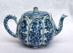 Chinese Blue and White Tea Pot Blue And White China, Blue China, Blue Dragon, China Art, Delft, China Porcelain, Blue Velvet, My Favorite Color, Tea Set