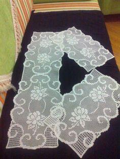 Crochet Table Runner Pattern, Crochet Tablecloth, Crochet Doilies, Crochet Art, Crochet Patterns, Crochet Style, Fillet Crochet, Zentangle Patterns, Crochet Fashion