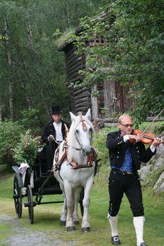 Uppigard Sulheim - Sulheim Host Farm, Norway Sulheim Host Farm is located in Bøverdalen Valley in Lom municipality in Oppland County -