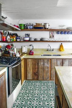 Para comemorar o aniversário de 40 anos de CASA CLAUDIA, selecionamos as cozinhas mais incríveis que já foram destaque em nossa revista