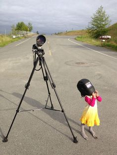 Child to see a solar eclipse