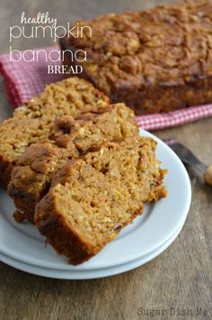 Healthy Pumpkin Banana Bread Moist quick bread with a tender crumb that's packed full of fruit and flavor. Healthy Pumpkin Banana Bread uses applesauce, bananas, and pumpkin in place of butter and has only cup brown sugar in the whole recipe! No oil. Quick Bread Recipes, Baking Recipes, Whole Food Recipes, Dessert Recipes, Healthy Baking, Healthy Desserts, Healthy Recipes, Healthy Breakfast Breads, Healthy Breads