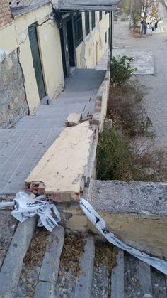 El campo de fútbol de El Valle se cae a trozos sin que el ayuntamiento le ponga freno