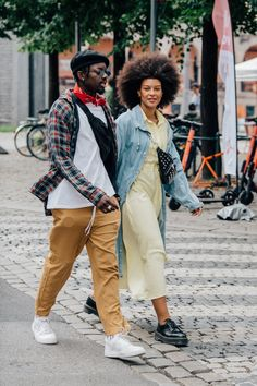 Street style inspiration: Our favorite off-duty looks from Oslo Fashion Week Spring/Summer 2020 Hipster Grunge, Grunge Goth, Nu Goth, Grunge Style, Soft Grunge, Stockholm Fashion Week, Copenhagen Fashion Week, Street Style Vintage, Spring Street Style