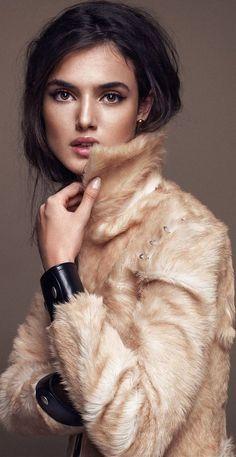 Blanca Padilla by Xavi Gordo for Elle Spain January 2015 v