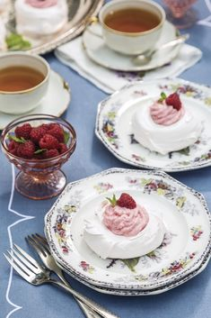 Whipped to glossy perfection, French Meringues form airy confections that are the essence of sweet sophistication. Roast Recipes, Sausage Recipes, Tea Recipes, Turkey Recipes, Crockpot Recipes, Cookie Recipes, Ramen Recipes, Pudding Recipes, Casserole Recipes