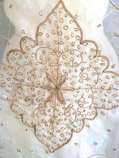 Trendy Bride Cape, 1920's Inspired Cape, Bride Shawl, Wedding Dress Cover, Art Deco Style Kimono, Gatsby Bride, Bridal Cloak, FlapperBride by fresheyedesign on Etsy