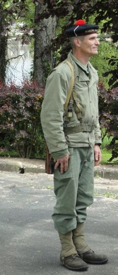 French sailor in infantry role Ww2 Uniforms, Military Uniforms, Military Jacket, French Resistance, French Foreign Legion, Free French, French History, French Army, Armada