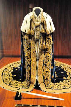 Historical Costume, Historical Clothing, King Outfit, Royal Clothing, Royal Dresses, Period Outfit, Royal Fashion, King Fashion, Character Outfits