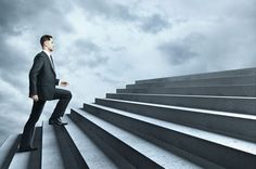 Todos nós sabemos que para atingirmos o sucesso devemos seguir alguns procedimentos, mas se todos sabemos  o que devemos fazer para alcançar o sucesso, porque é que nem todos lá conseguem chegar? A explicação está em http://susanagaspar.com/e/Sucesso1