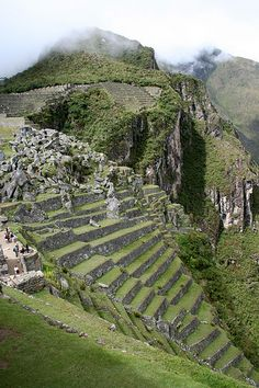Machu Picchu, Places To Travel, Places To See, Andes Peru, Terraced Landscaping, Inca Empire, Peru Travel, Galapagos Islands, Chili