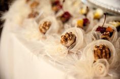 Forminhas para doces finosObra de Arte: Forminha Dior pérola,sempre um luxo!