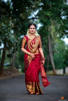 Intricate Pink Colored Soft Silk Saree with Matching Color silk Blouse. It conta… Intricate Pink Colored Soft Silk Saree with Matching Color silk Blouse. Kerala Wedding Saree, Wedding Saree Blouse, Indian Bridal Sarees, Kerala Bride, Wedding Silk Saree, Indian Bridal Fashion, Hindu Bride, Indian Bridal Wear, Saree Dress