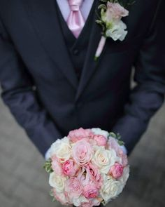 Csipkevirág Esküvői Dekoráció🌷 (@csipkevirag) • Instagram photos and videos Rose, Flowers, Plants, Instagram, Elegant, Pink, Plant, Roses, Royal Icing Flowers